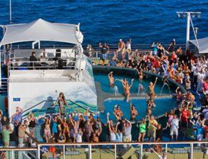 2 night cruise pool and bar